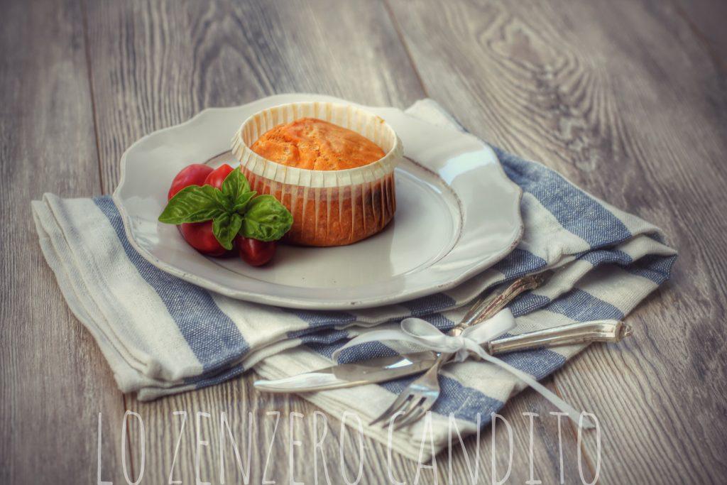Muffin al pomodoro e provola piccante