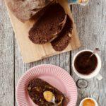 Pane al cioccolato e noci