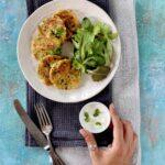 Frittelle con farina di lenticchie zucchine e feta